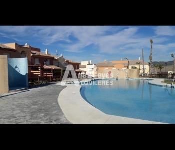Alquiler de cómoda casa adosada en Atlanterra (Zahara de los Atunes)