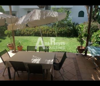 Precioso bajo con jardín en alquiler en Zahara de los Atunes