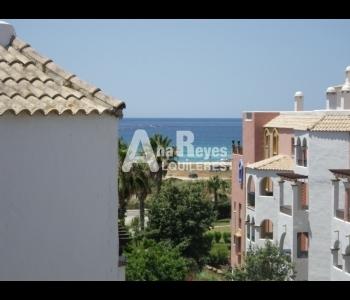 Alquiler ático con bonitas vistas al mar en la urbanización Atlanterra Sol en Zahara de los Atunes
